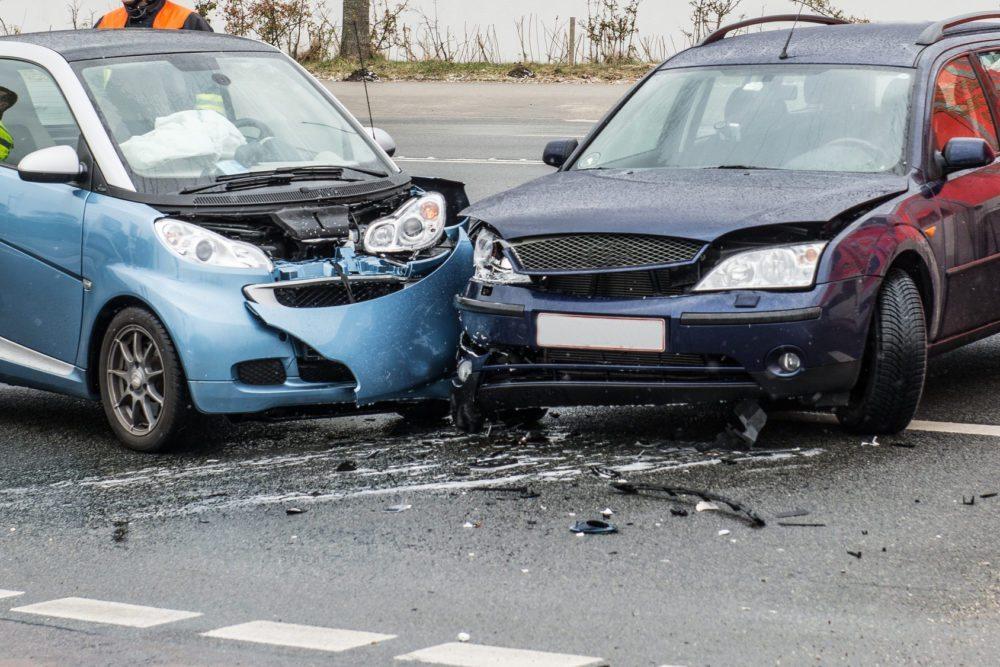 Wer haftet bei Unfällen, wenn es um Carsharing geht? (Bild: © benjaminnolte - Fotolia.com)