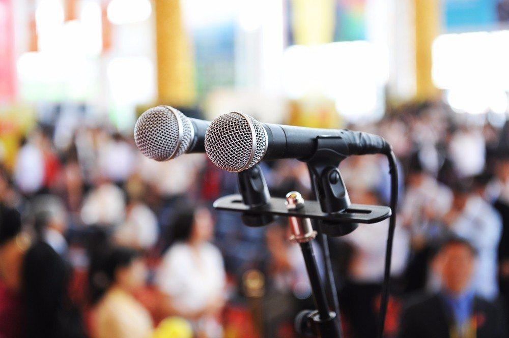 Erfahrene Online- und Marketingagenturen helfen gerne dabei, verschiedene Optionen aufzuzeigen. (Bild: © hxdbzxy - shutterstock.com)