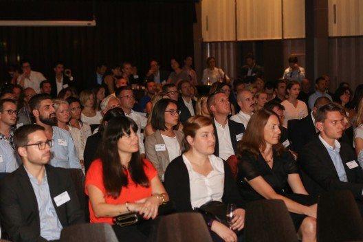 An dem von 200 Gästen besuchten Anlass tauschten sich Branchenvertreter über Trends und Qualitätsmasstäbe in der Schweizer Unternehmenskommunikation aus. (Bild: © obs/Award Corporate Communications/Alpha Foto GmbH / www.alphafoto)